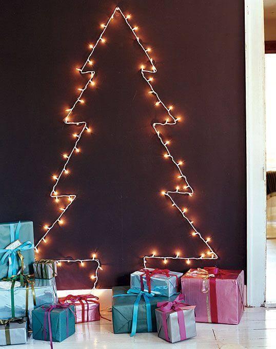 christmas_tree_on_the_wall