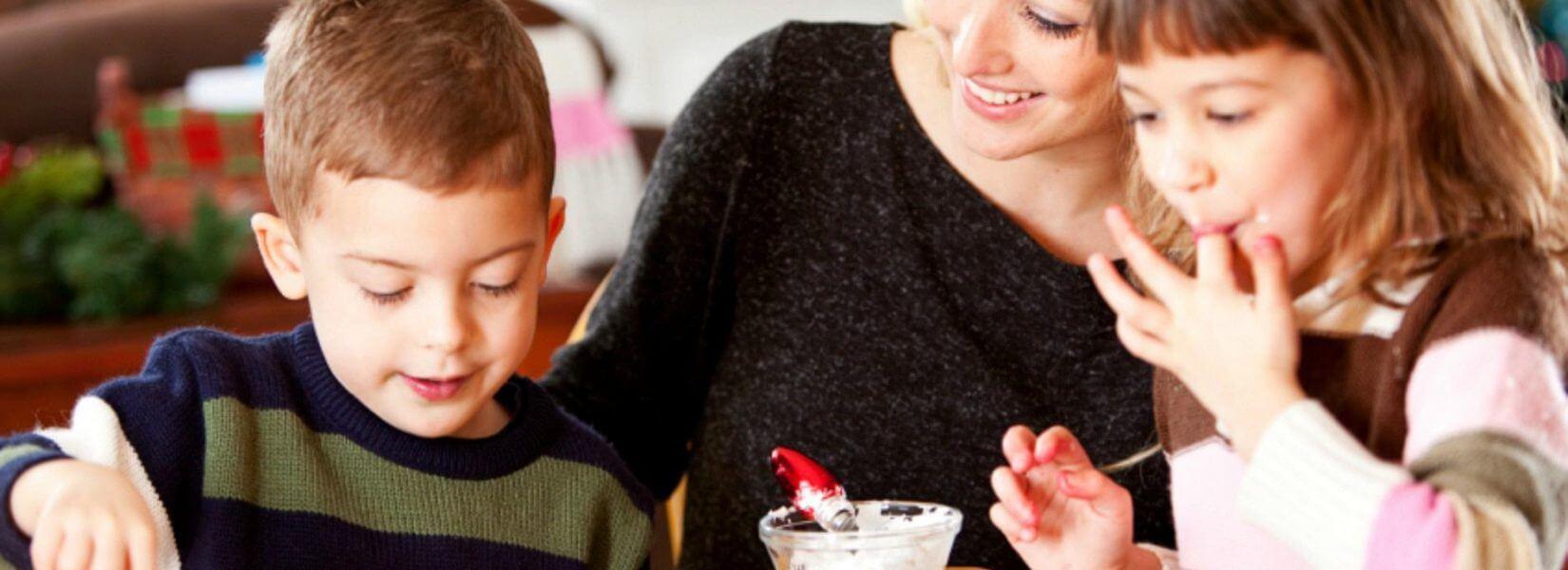 Έρευνα: Γιατί δεν πρέπει να τρώτε ωμή ζύμη μπισκότων ούτε εσείς, ούτε τα παιδιά σας!
