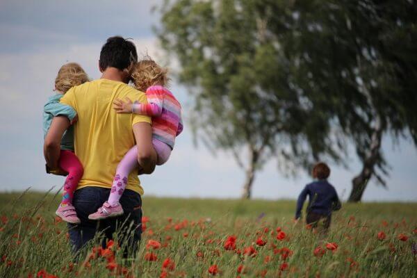 Γιορτή του Πατέρα: 14 υπέροχα αποφθέγματα για την πατρότητα
